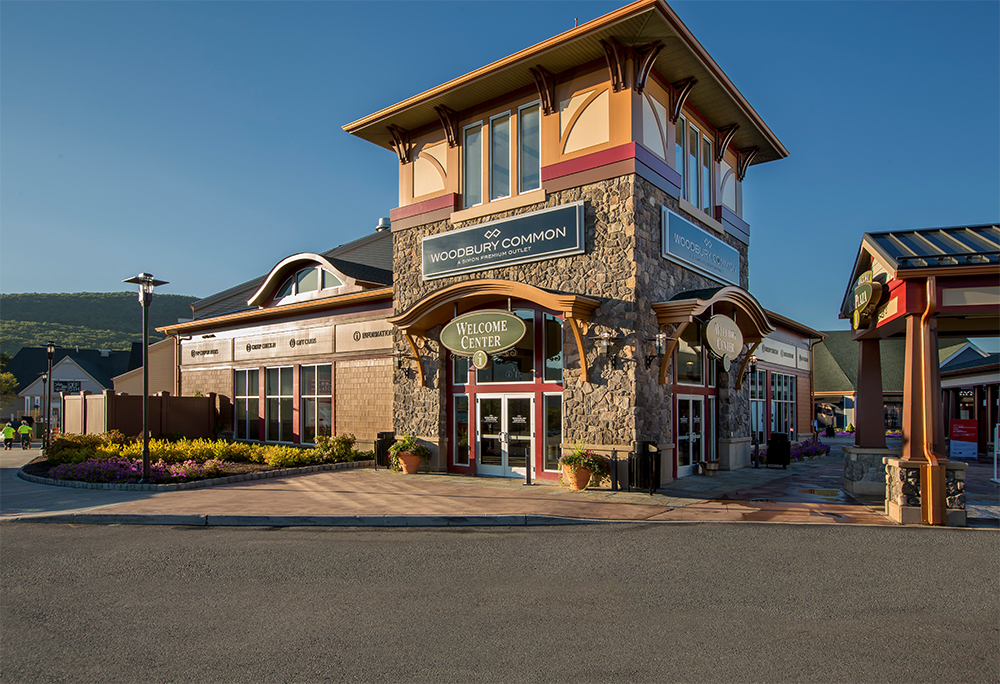 woodbury-common-premium-outlets-05